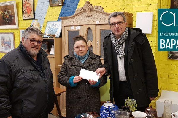Bapaume : Le magasin de la Ressourcerie AIR de Bapaume (Pas-de-Calais) récompense la 8000ème cliente de l'année !